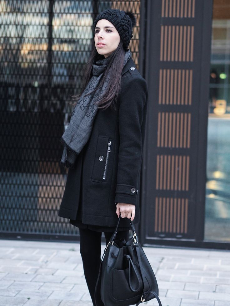 Burberry black coat, Gucci scarf - Pink Pepper Paradise
