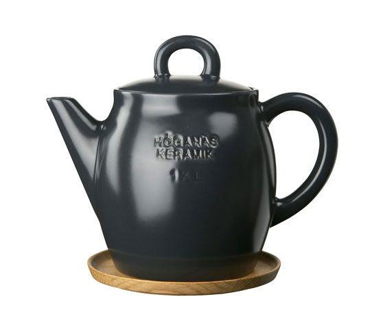 Höganäs Keramik Teapot - http://www.zoma.co.uk/shop/homeware/hoganas-keramik-teapot-with-wooden-saucer-graphite-grey/