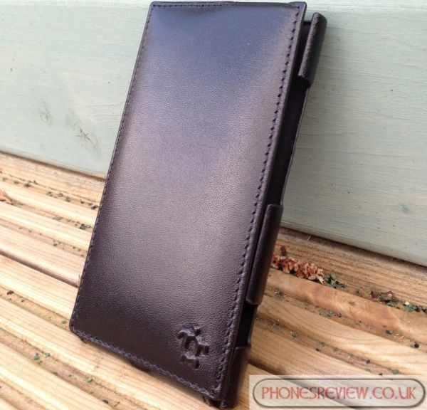 Chance to win a Nokia Lumia 920 Issentiel leather case.