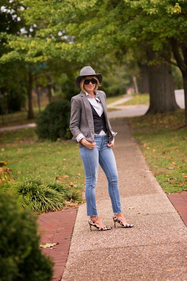 blazer (Zara last year, loveTHIS HACKING JACKET), vest (Crewcuts), jeans (dl 1961 ON SALE), blouse (J.CrewSimilar), heels (LK Bennett, Omar + Elsie, also availHERE–how gorg are theseHOUNDSTOOTH's), watch (Daniel Wellington c/o), rings (Lagos, Anna Beck), hat (Sole Society UNDER $40 c/o), shades (Gucci) Weird that tomboy looks actually make me feel pretty feminine? Kinda weird. …