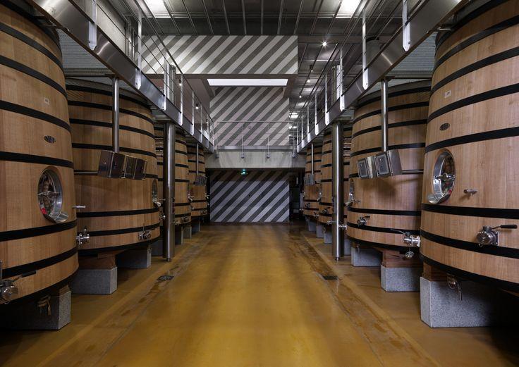 Venez découvrir les chais du château Faugères, pour cela il vous suffit de réserver votre visite sur Wine Tour Booking
