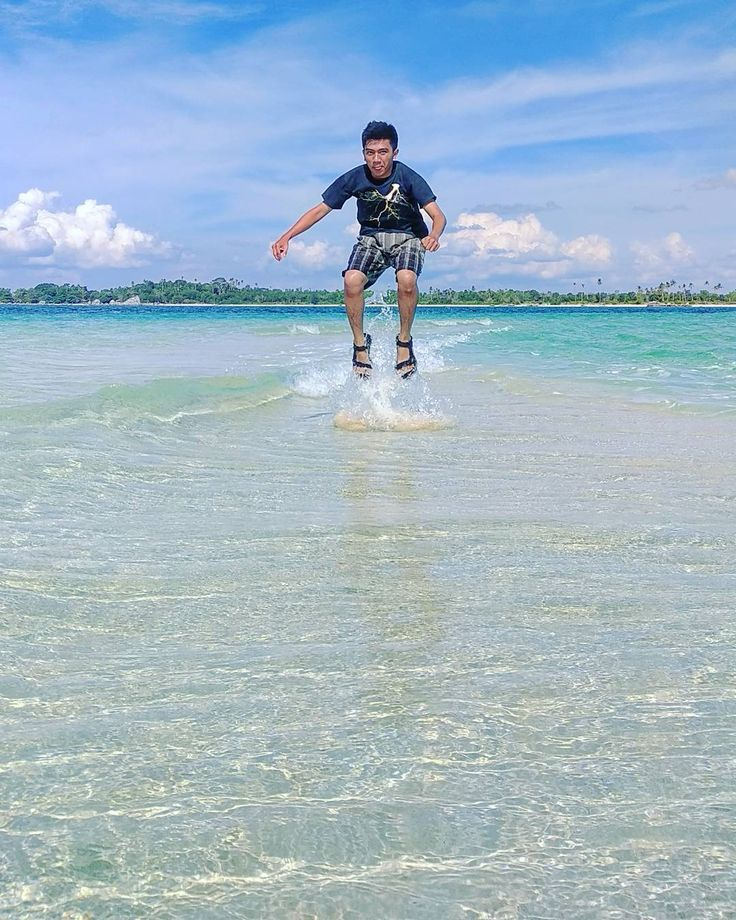 """""""Wings are like dreams. Before each flight, a bird takes a small jump, a leap of faith, believing that its wings will work. That jump can only be made with rock solid feet"""". #sobattraveler #instagood #instadaily #photooftheday #photography #amazingbeach #amazing #wonderful #Belitung #indonesia #travel #tour #paketwisatahemat #paketwisatabelitung #traveladdict #happy #beautifulbeach #bestoftheday http://tipsrazzi.com/ipost/1522982367969545698/?code=BUiuGUCAg3i"""