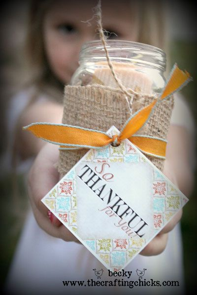 Quick and easy Thanksgiving gift idea from www.TheCraftingChicks.com Free Printable