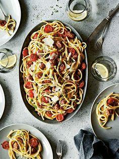 Spaghetti med salsiccia och körsbärstomater