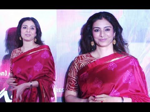Tabu gorgeous in saree at the premiere of RANG RASIYA.