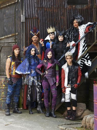 "USA TODAY  -- Disney Channel's Descendants - Disney Channel's original movie ""Descendants"" stars Booboo Stewart as Jay, Sofia Carson as Evie, Maz Jobrani as Jafar, Dove Cameron as Mal, Kathy Najimy as the Evil Queen, Kristin Chenoweth as Maleficent, Cameron Boyce as Carlos and Wendy Raquel Robinson as Cruella de Vil."