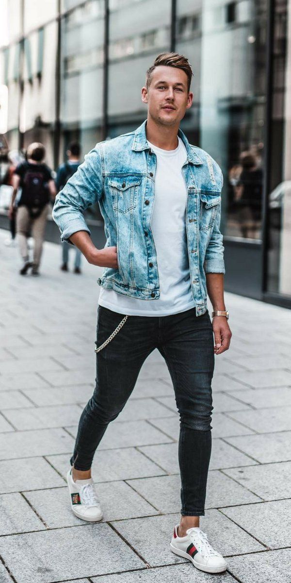 a0938ad9bd Fall outfit idea with a light wash denim jacket white t-shirt black skinny  jeans no show socks white sneakers. model unknown. #fallfa…