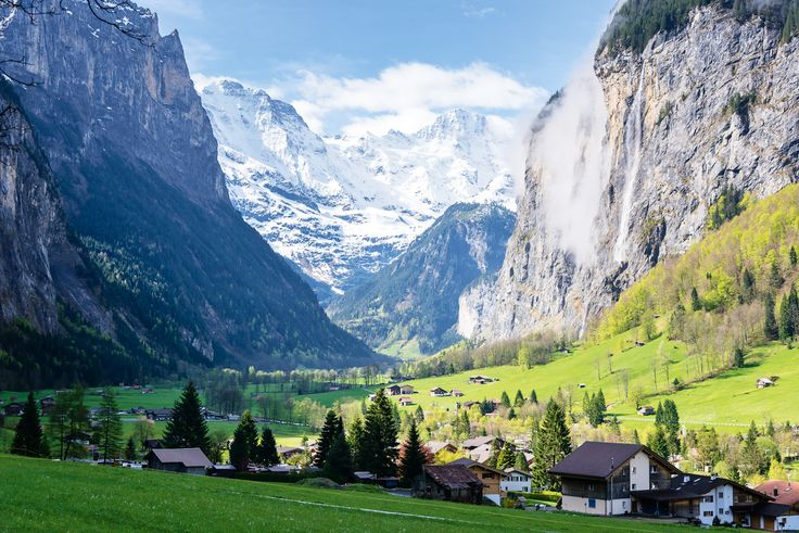 Discover the ultimate road trip through the Swiss Alps.