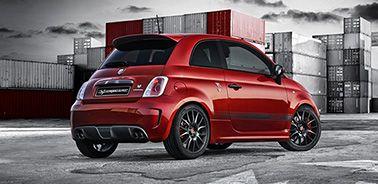 Abarth 595 Competizione passe à la vitesse supérieure ! Dévoilée lors du Salon de l'automobile de Genève, sa nouvelle motorisation portée de 160 à 180 ch piquera au vif les vrais mordus d'adrénaline. Sous son capot, de quoi accélérer de 0 à 100 km/h en 6,7'' ! A l'intérieur, les émotions fortes sont décuplées par ses équipements exclusifs : les sièges baquets Abarth Corsa by Sabelt, le kit système de freinage Brembo et le son inimitable de l'échappement dual mode « Record Monza ».