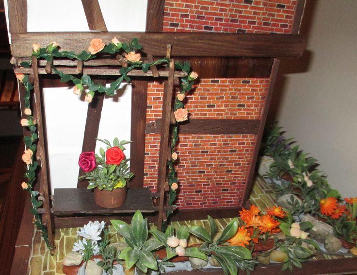 Midsomer cottage - roses