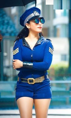 Actress Shruthihassan Hot Stills –