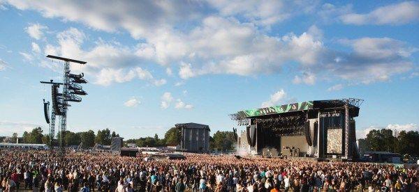 JBL Charge 3 - perfekt till sommarens festivaler - http://it-kanalen.se/jbl-charge-3-perfekt-till-sommarens-festivaler/