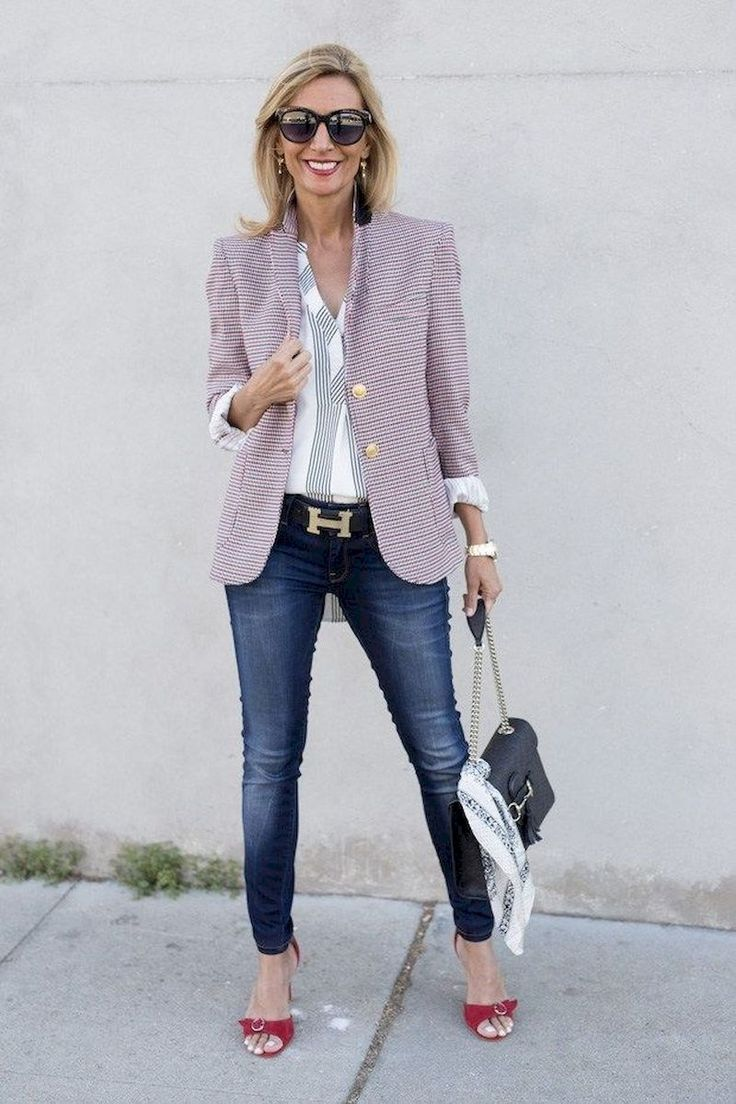 40 Trendy Women Over 40 With Patterned Outfits This Spring