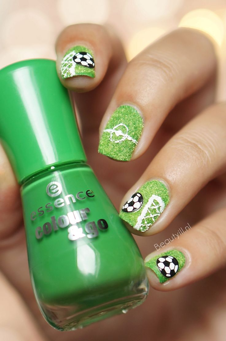 WK-2014-Nail-Art-Voetbal-Soccer (2) - 18 Best MLS Orlando City Lions Soccer Club Nail Art Images On