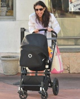 celebrities bugaboo strollers - Google Search Bethenny Frankel is seen here using the Bugaboo Cameleon Stroller with her daughter.