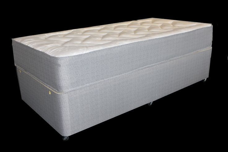 2ft6 Super Dream Ortho Divan Bed - £249.95 - A very deep firmer feel mattress built around a 12.5 gauge orthopaedic spring to give a firmer, flatter feel for people who like the extra support from a firmer mattress. Soft layers of fillings on both sides of the mattress provide a comfortable nights sleep with the firmer springs providing great support.
