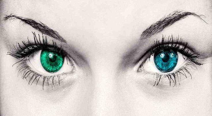 Sognare occhi ha significati legati alla chiarezza della visione, al bisogno di penetrare l'essenza delle cose, di scorgere la verità oltre l'apparenza
