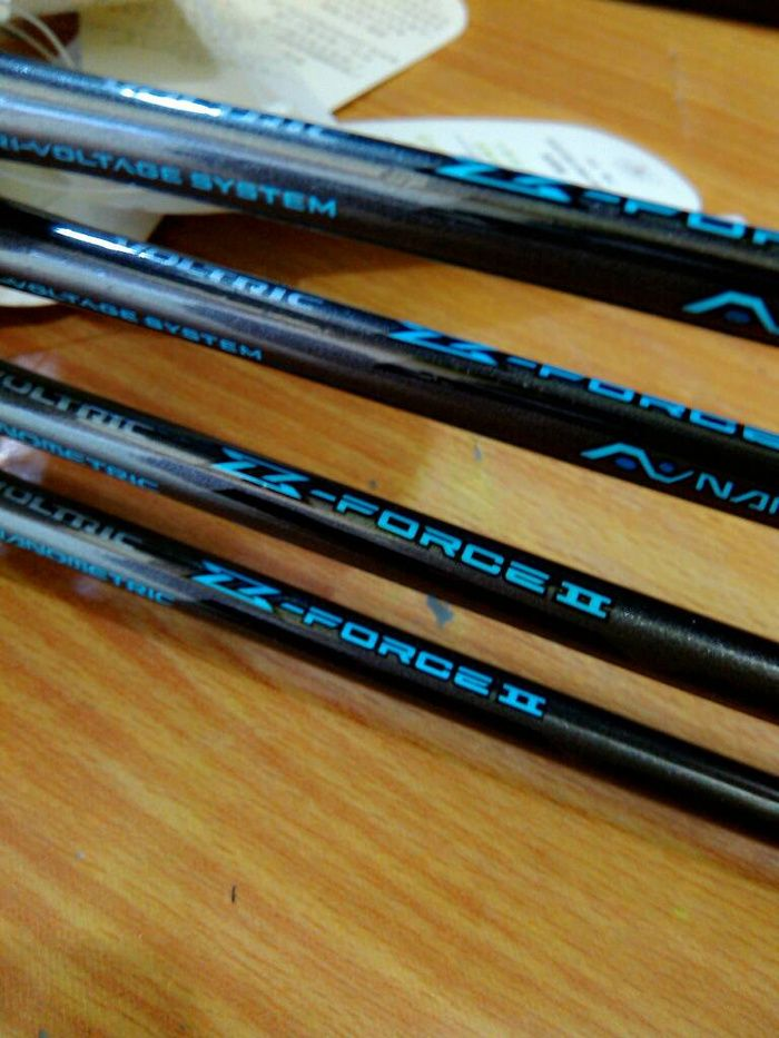 RAKET BADMINTON VOLTRIC Z FORCE II special LEE CHONG WEI