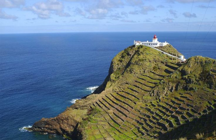 Top Spots for Water Sports in the Azores: SAILING, DIVE and SNORKELING at Santa Maria Island - Location, weather and sea conditions make the Azores a unique place for diving and to observe diverse species of flora and fauna underwater. One of the benefits of diving here is that touristic companies only allow small groups which guides are specialized in marine biology.