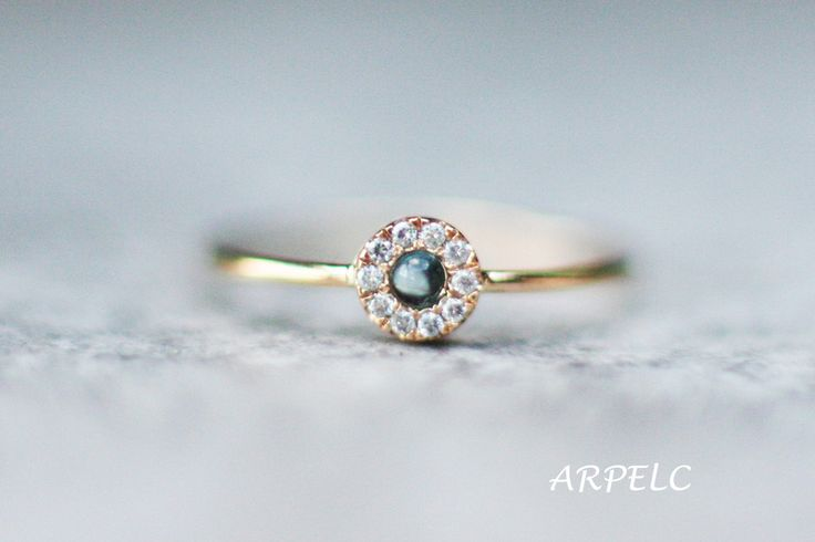 Diamant-Verlobungsring mit blauem Topas, Gold von ARPELC HANDGEMACHTER SCHMUCK auf DaWanda.com
