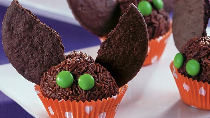 Treat your guests with these creative brownie truffles – a perfect Halloween dessert.