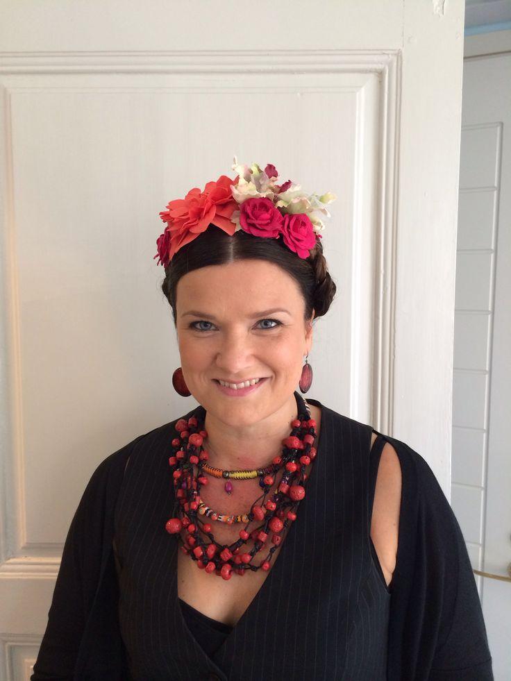 Frida kahlo inspired hair