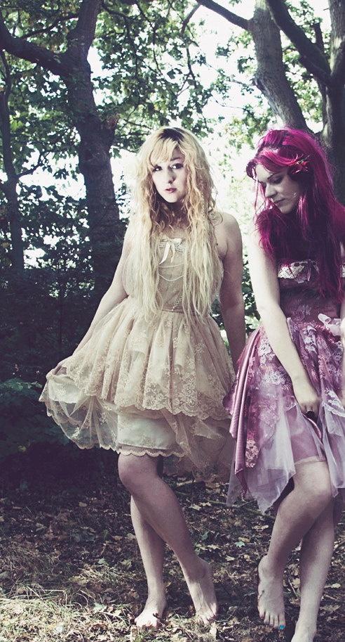 snow white corset dress from: flutterbydaisy