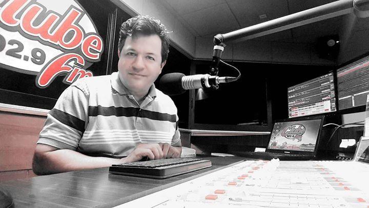 Já Estamos apresentando o seu bom dia clube! valendo par de ingressos para gravação do DVD da dupla Dablio e Felipe dia 7 de junho na play music com participação especial de Leonardo Zezé Di Camargo e Zé Felipe. Open Bar  zap 62 99491029 #soutinhonoar #clubefmgoiania http://ift.tt/1zZ31iR www.clubegoiania.fm @clubefmgoiania by wisleysouto http://ift.tt/1TTlXMO