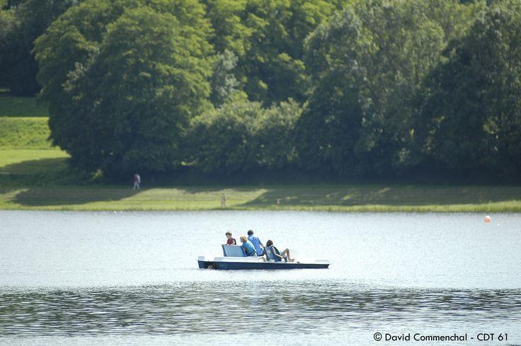 Plan d'eau de la Ferté Macé pour vos activités d'été  #orne #ornetourisme #normandie #normandy #purenormandie #france #61 #nature #plandeau #lac #lake #panorama #activités #famille #pedalo
