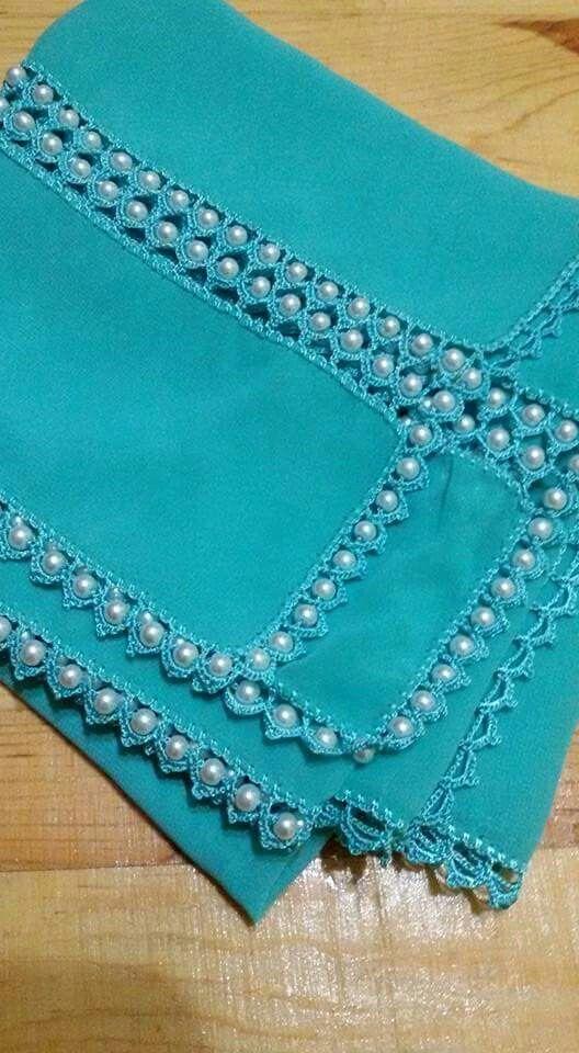 puntilla crochet y perlas