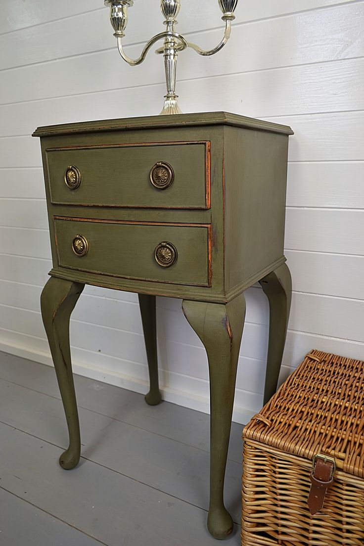 1000 images about olive on pinterest olives annie sloan chalk paint and annie sloan - Bedside table for small space paint ...