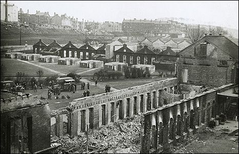 clydebank blitz 1941 | ... targeted local munitions factories and shipyards during the blitz