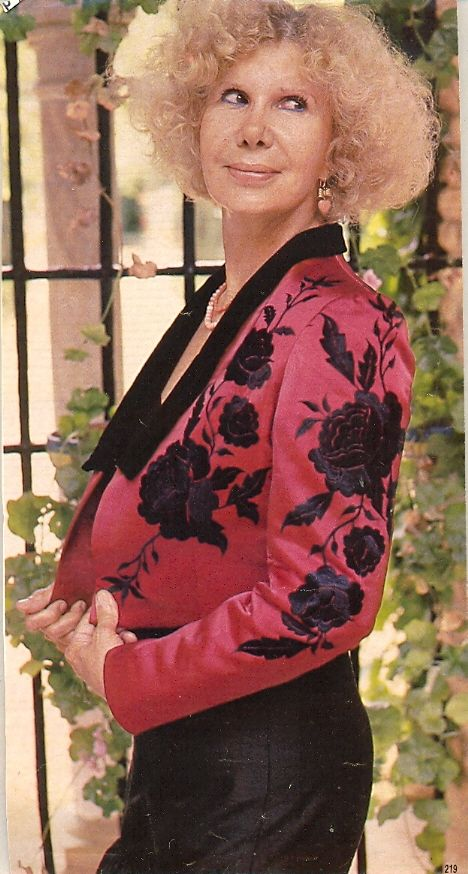 La Duquesa de Alba con una chaquetilla bordada realizada por Lina.