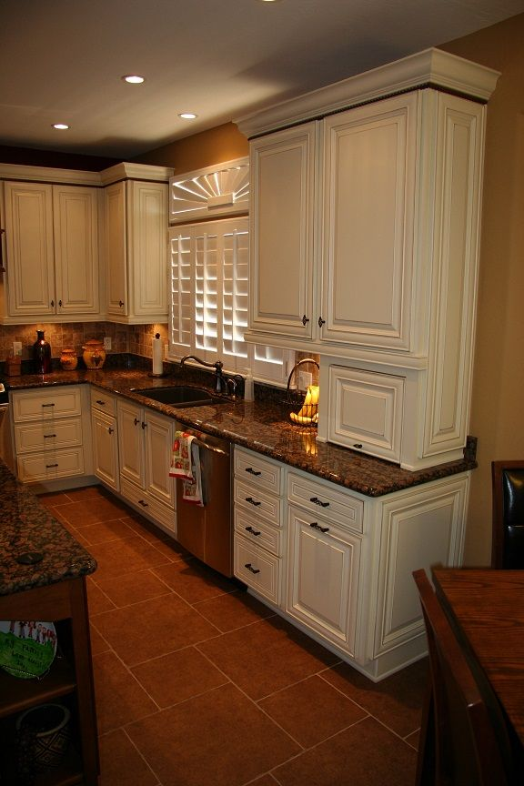 Cornerstone Cabinet Co Works With Oakcraft Elegant Cabinetry To Provide Arizona The Finest In Custom Cabinets