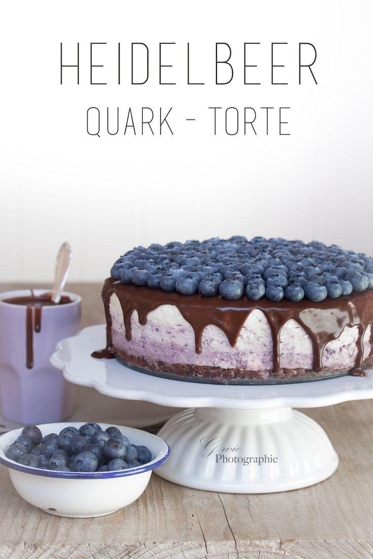 Guten Morgen ihr Lieben     Gestern hatte mein lieber Pa Geburtstag .   Zur Feier des Tages habe ich eine Heidelbeer-Quart-Torte  und Cake...
