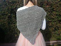 a triangle scarf