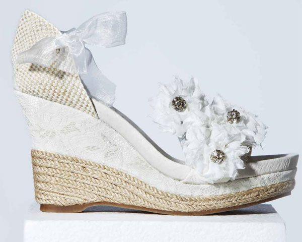 Cuñas para novias, comodidad en clave chic #boda #cuñas #zapatos