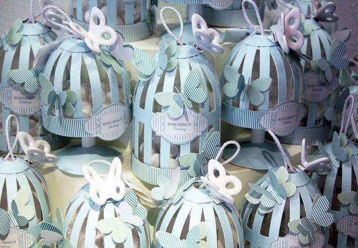 #Bomboniere con #confetti e farfalle in ceramica RDM design.