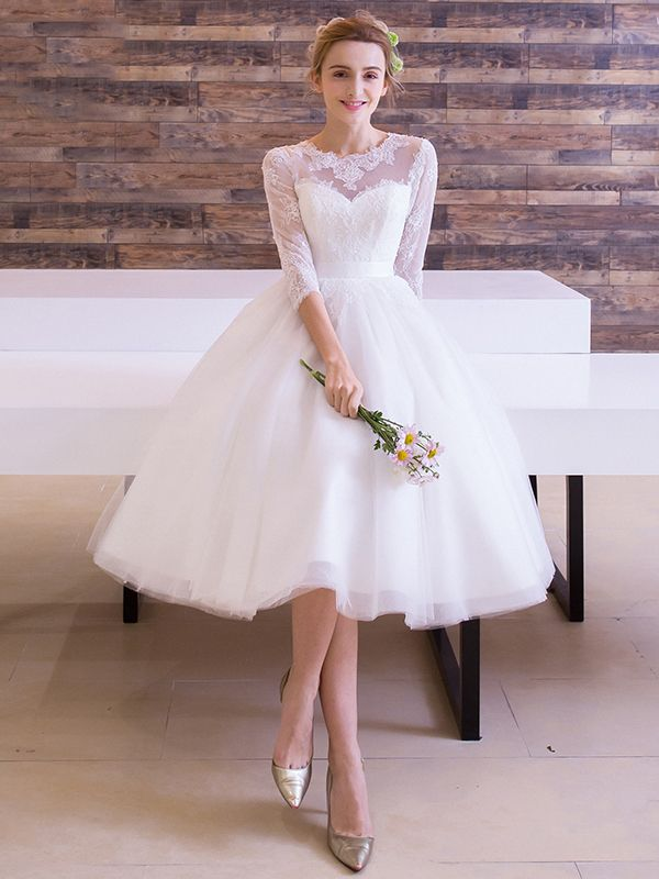Half Sleeves Lace Knee Length Beach Wedding Dress Material Tulle