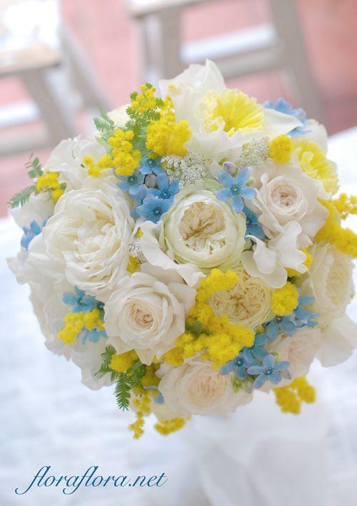 ミモザとパールブルーとアイボリーローズのブーケ 慌ただしい3月真ん中月曜日 : FLORAFLORA*precious flowers*ウェディングブーケ会場装花&フラワースクール*