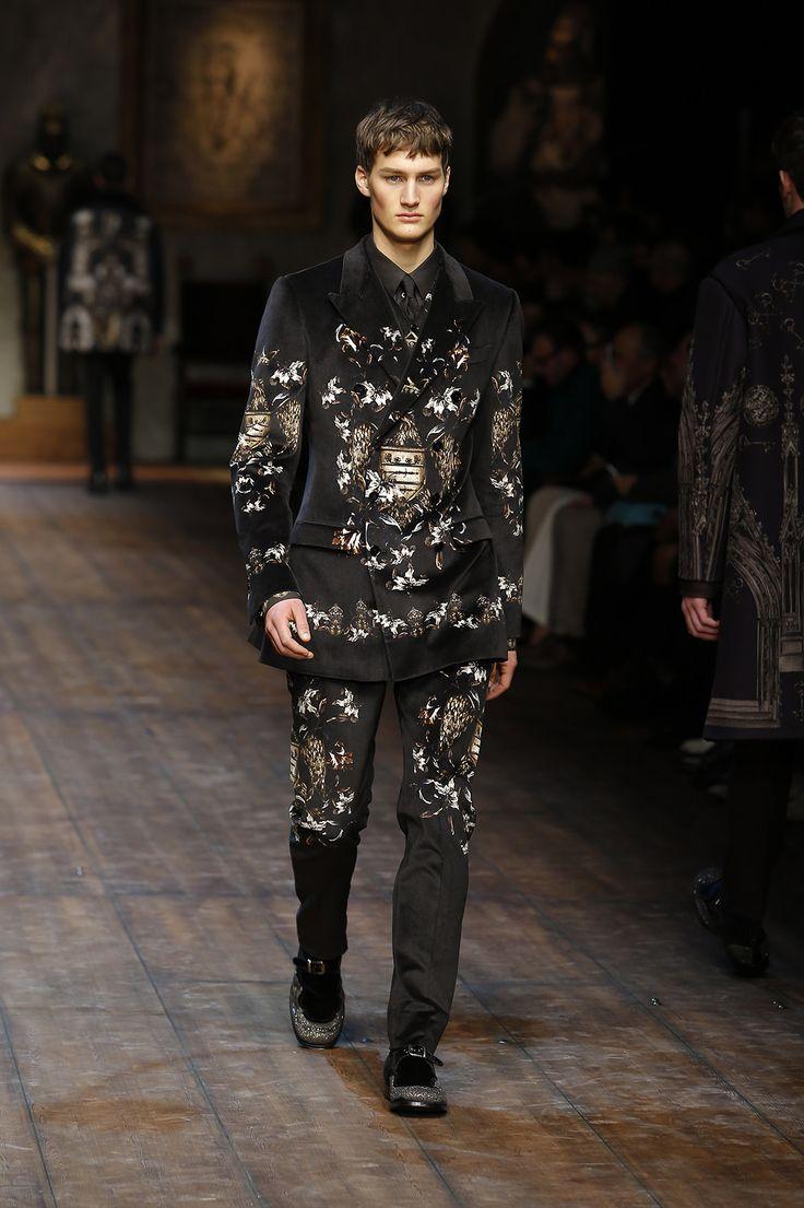 http://www.dolcegabbana.com/man/fashion-show/runway-gallery/dolce-and-gabbana-fw-2014-2015-men-fashion-show-runway-16/