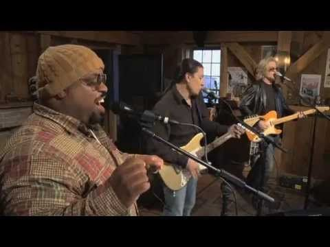 "Cee Lo Green & Daryl Hall - ""Fuck You"" (Live From Daryl's House) - Lol.. this song is strangely.. liberating"