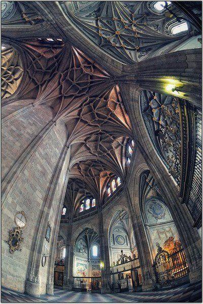 Interior de la Catedral de Segovia, España