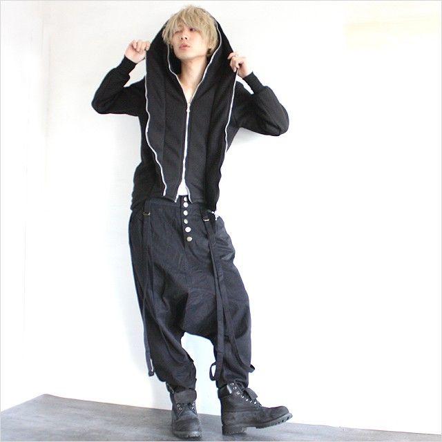 モード系ファッションの通販サイトalbino(アルビノ)です。こちらはstyle5で着用しているアイテムのページです。サスペンダーのついたサルエルパンツのコーディネート例になります。着用商品をまとめて掲載しておりますのでご覧下さい。