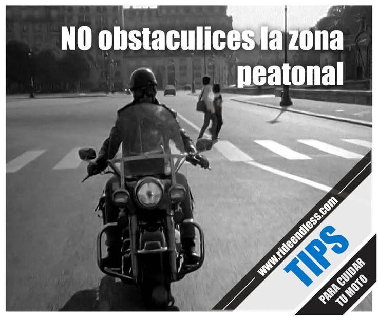 No obstaculices la zona peatonal Al llegar a una intersección, siempre detente antes de la línea de cruce y nunca obstaculices el tránsito peatonal parando sobre la cebra. Nunca transites por las banquetas ni estaciones tu motocicleta sobre ellas, esto es un factor generador de riesgo para el peatón. #Tips #RideEndless #BMW #Motorrad #TipRideEndless