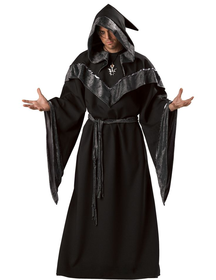 Costume da stregone oscuro uomo: Questo costume da stregone oscuro per uomo consiste di un vestito, una cintura e un ciondolo. Il lungo abito a manica lunga è nero. Ha un lungo mantello con...