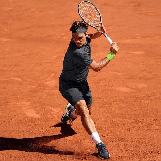 Tricoul lui Roger Federer pentru Roland Garros.