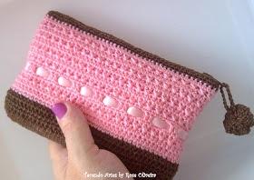 Tecendo Artes em Crochet: Bolsinha L♥vely !