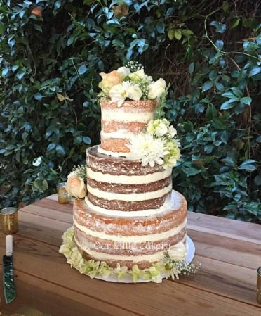 Naked Cake With Fresh Flowers Such A Great Idea For A Rustic Or Vinatge Theme