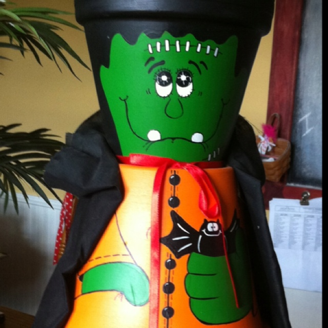 Made From Clay Pots Crafts: Frankenstein Candy Holder Made From Clay Pots